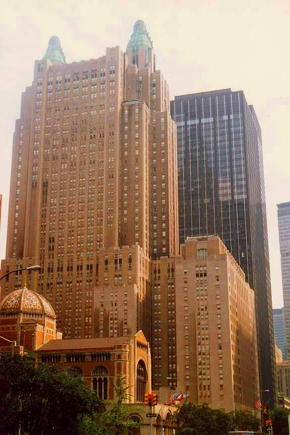 Waldorf Astoria Hotel, New York City, NY, USA by Elisa Rolle (Wikimedia Commons)