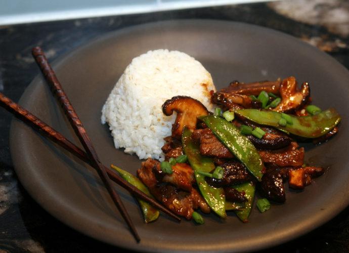 Beef Shiitake and Snow Pea Stir Fry by kae71463 (Flickr)