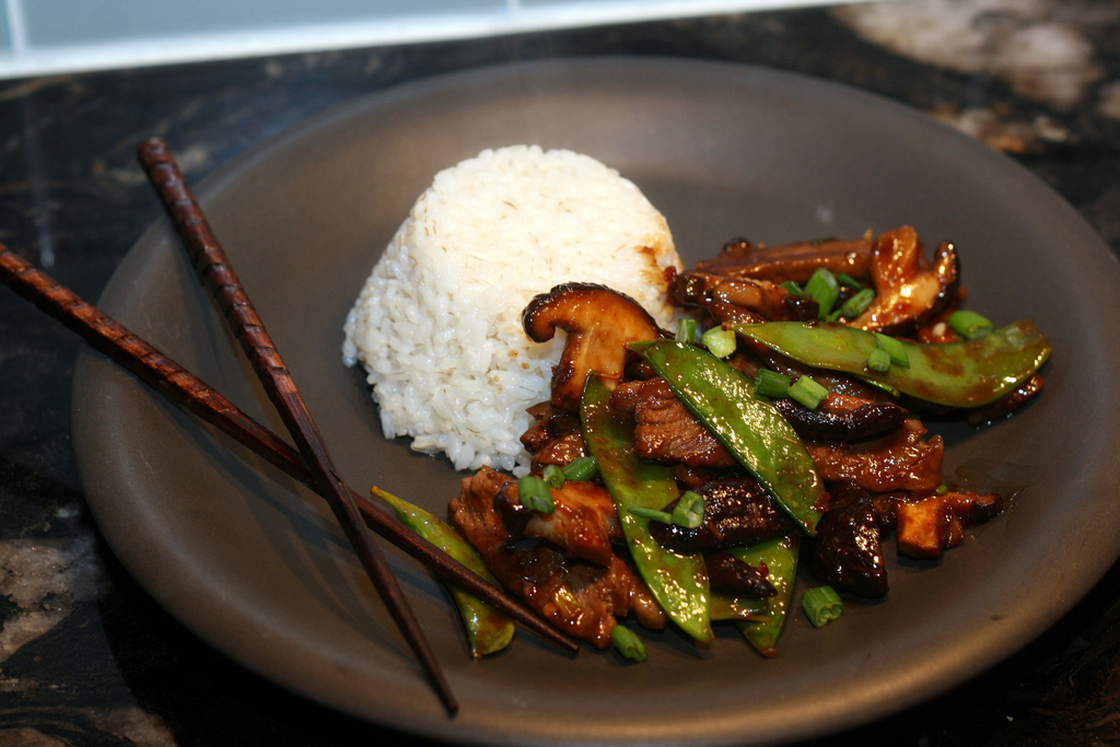 Beef Shiitake and Snow Pea Stir Fry by kae71463 (Flickr)