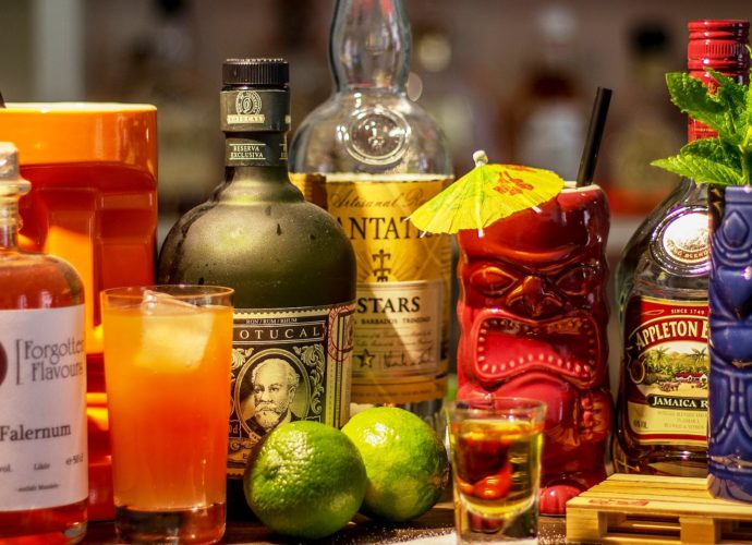 Tiki-Cocktails by Stefan Giesbert (Wikimedia)