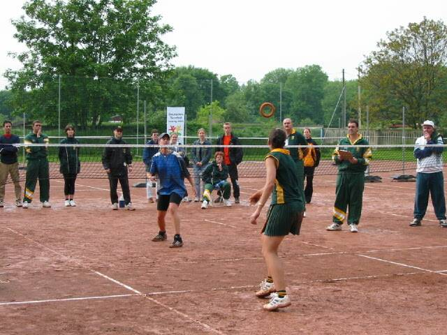 Endspiel der Damen beim International Masters 2002 by Michael Goth (Wikimedia)