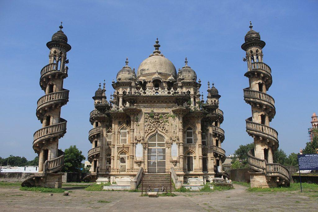 Mahabat ka Maqbara by Sneha N Shetty (Wikimedia)