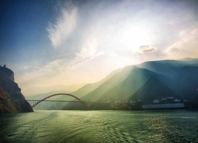 Wushan Yangtze River Bridge by Jun Wei Fan (Flickr)